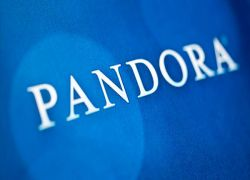 Pandora Names Roger Lynch New Ceo, Michael Lynton Joins Board