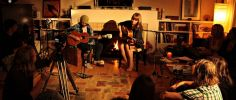 Use House Concerts to Get Fans